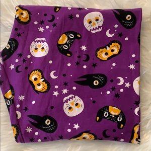 Lularoe purple Halloween leggings TC2